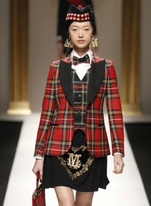 Moschino%20shows%20tartan%20line%20for%20Autumn%20Winter%202013%20DECOR