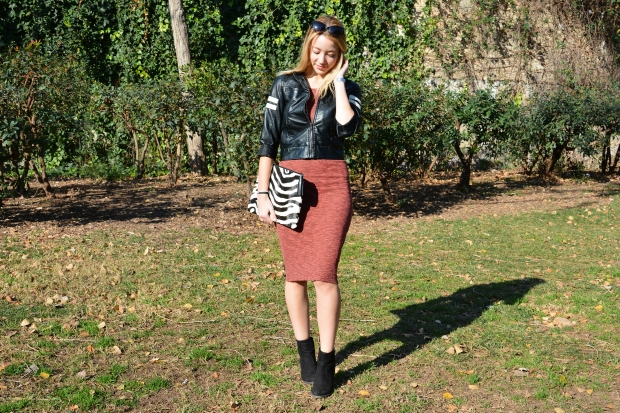 marsala-knitted-dress-leather-jacket-vestido-cuero-chaqueta-clutch