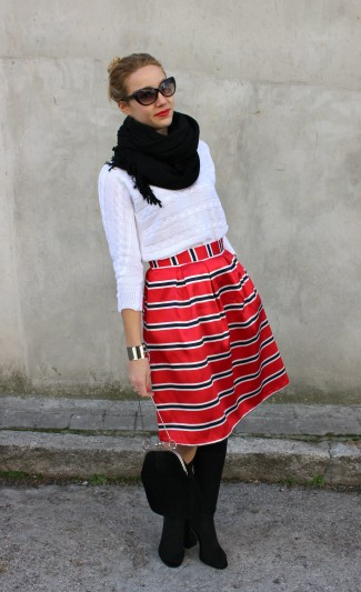 sunglasses street style midi skirt