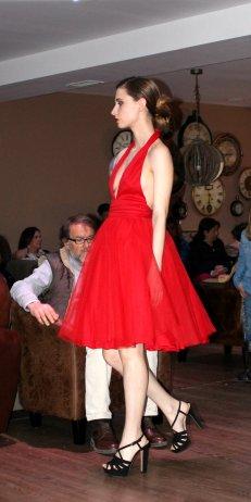 DAlbukerk fashion designer moda española boda vestido rojo red dress