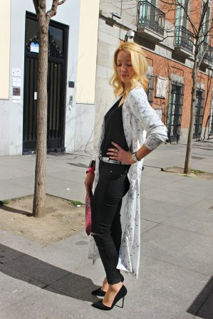 ootd look outfit soft coat stilettos black pumps silver