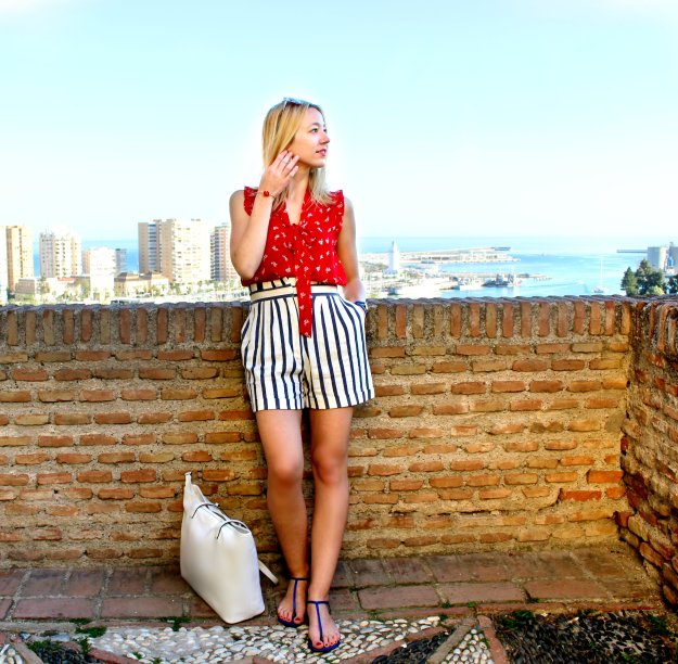zara shorts stripes red blouse beach look outfit streetstyle