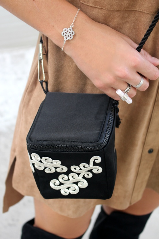 ana peyres marlissen jewel clutch black handmade different lovely amazing negro bordado embroidered