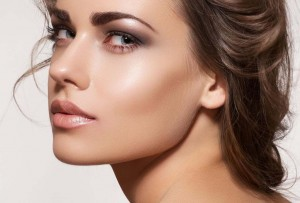 Maquillaje-strobing-2-300x203