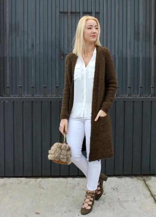 green ootd fashionblogger cardigan verde boho jeans folk white girl trendy