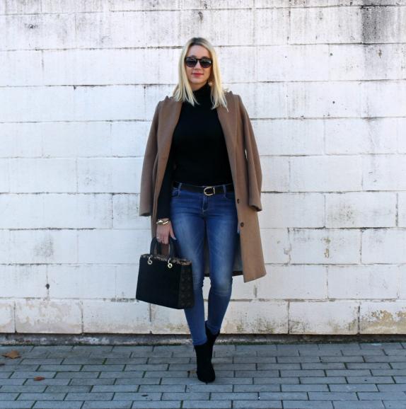 streetstyle blogger camel coat abrigo vaqueros jeans primavera spring winter autumn 2016