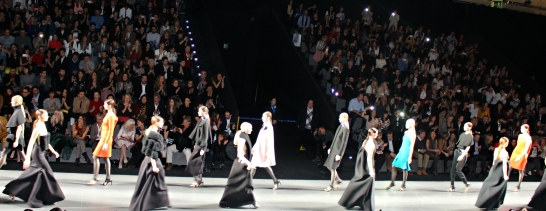 madrid mercedes benz fashion week mbfwm 2016 2017 amaya arzuaga catwalk show
