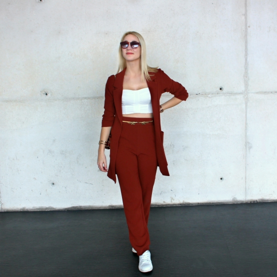 blogger moda fashion streetstyle chic style gorgeous two pieces suit red crepe gold