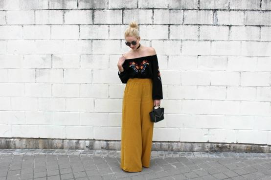spanish blogger bardot neck palazzo pants mustard amarillo mostaza