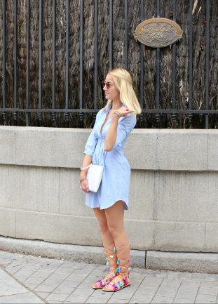 girl blonde streetstyle blue dress shirt baby ootd greek sandals