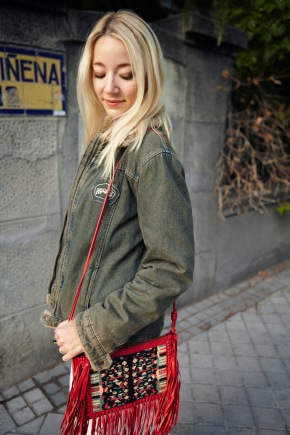 denim jacket winter fall 2017 trends fashionblogger streetstyle blonde girl fashion