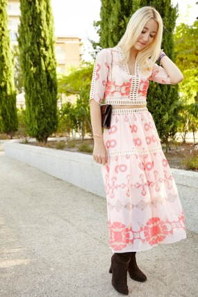 colorful fashion inspo girl happy smile wiw ootd summer vibes winter russian folk outfit